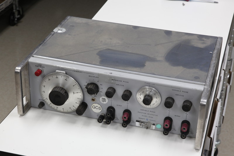 HP 203A Variable Phase Funcion Generator