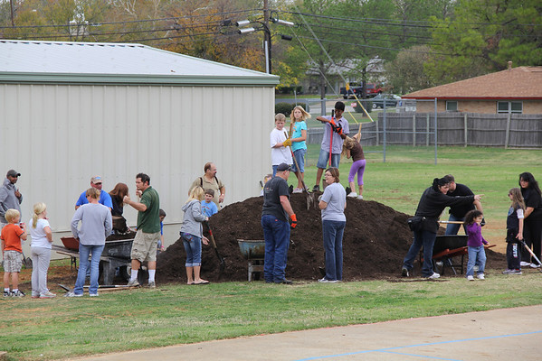 North Euless OLA Tree Planting (November 2011)