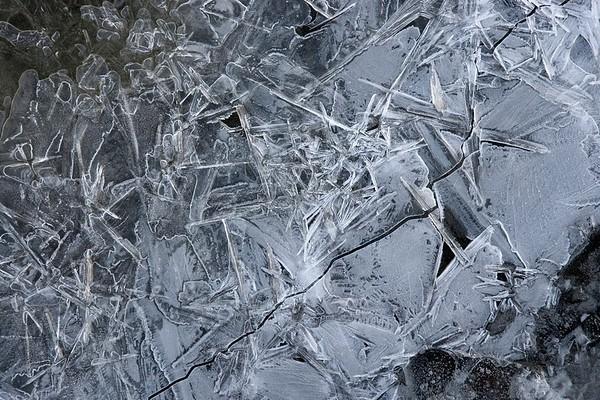 Snow Crystal No.  42-38966378
