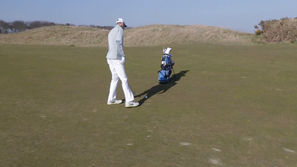 Dexter approach on #1 at Kingsbarns