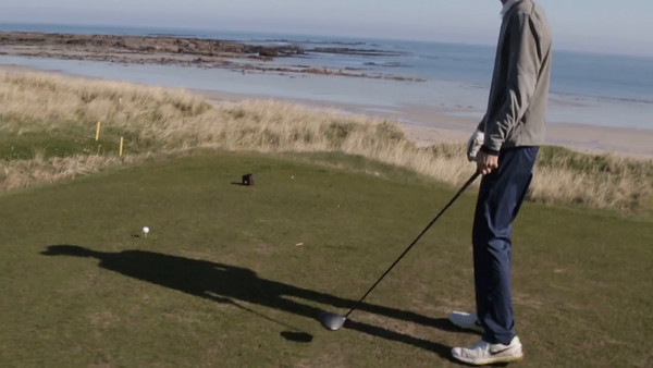 #4 Crail-Balcomie. Dexter carries a 240 yd gap over the beach.
