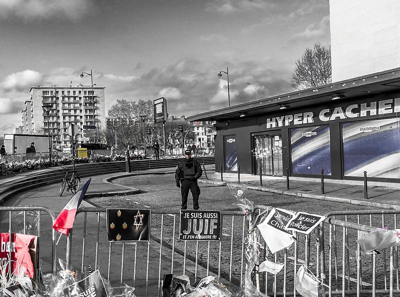 VIOLÊNCIA - Vincennes, França, 2015