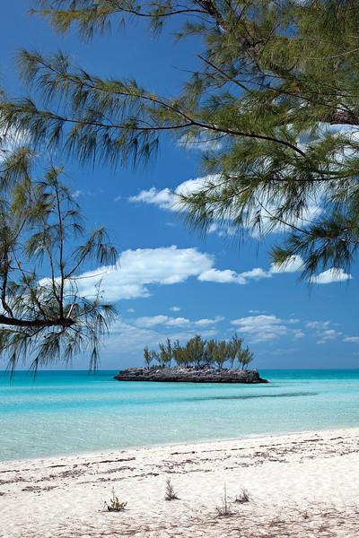 Gaulding Cay Beach