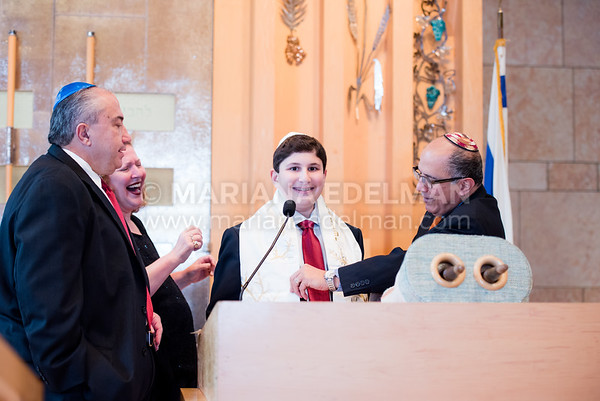 Mariana_Edelman_Photography_Park_Synagogue_Bar_Mitzvah_Posa_0008