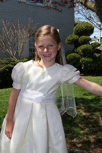 Elizabeth's First Holy Communion May 3, 2014 058