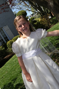 Elizabeth's First Holy Communion May 3, 2014 054