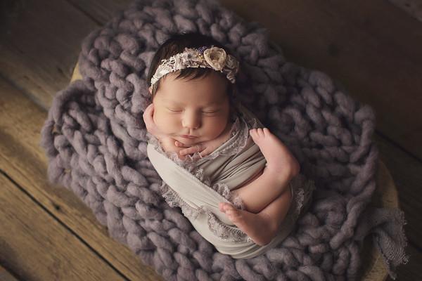 elizabeth michelle newborn
