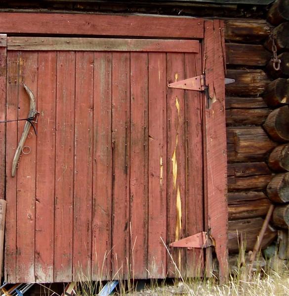 Lac La Hache Our old barn door.