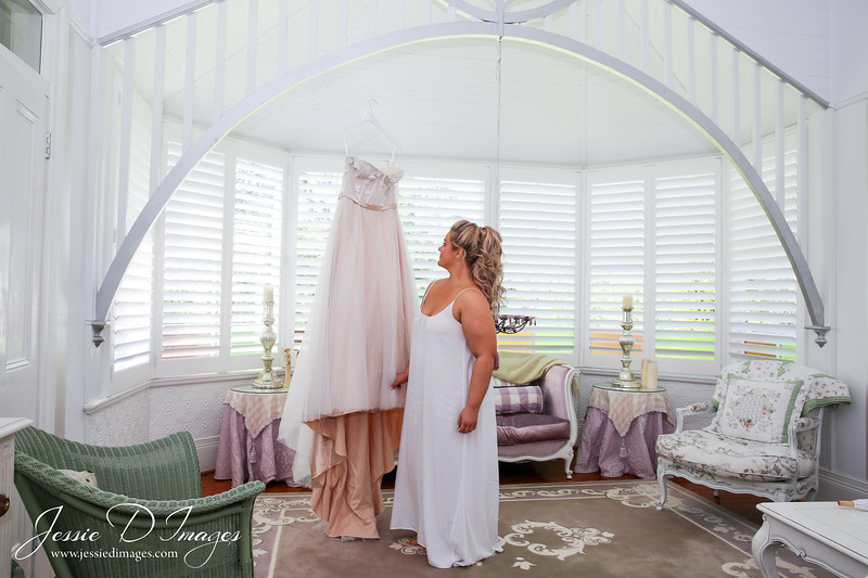 Jessie D Images - Fernbank farm wedding - wedding dress
