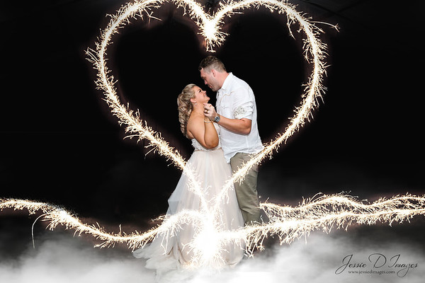 Jessie D Images - Fernbank farm wedding - first dance - wedding sparkler