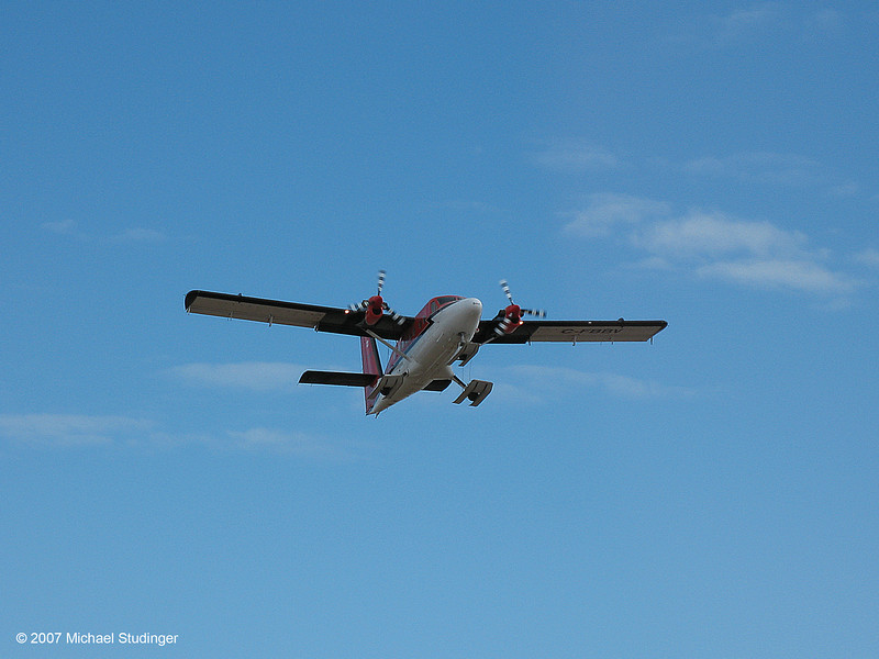 C-FBBV taking off at Eureka on Ellesmere Island to install a fuel cache for gravimeter test flights.