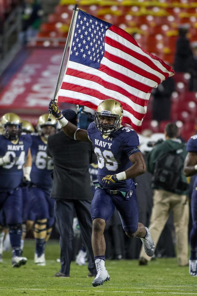 NCAA Football 2014: Notre Dame Fighting Irish vs. Navy Midshipmen