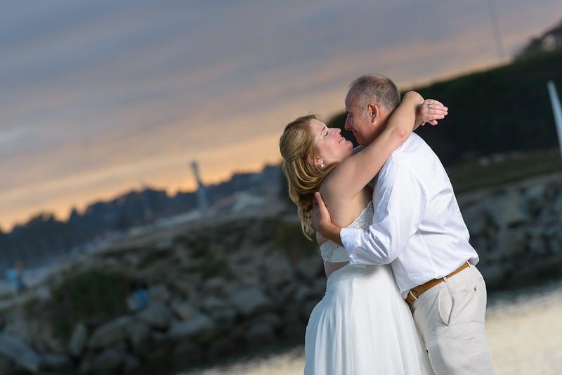 7846_d800b_Larry_and_Heidi_Twin_Lakes_Beach_Santa_Cruz_Wedding_Photography