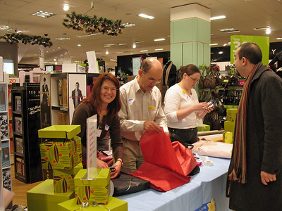 Gift-wrapping for Marie Curie Cancer Care