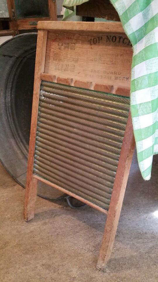 Classic wash board