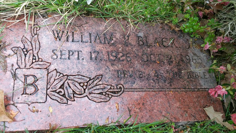 How ironic that for several months,Elvis rejoined one of his old band mates,one Bill Black Jnr,who is buried here in Forest Hill