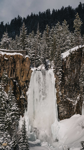 Tumalo-Falls-Winter
