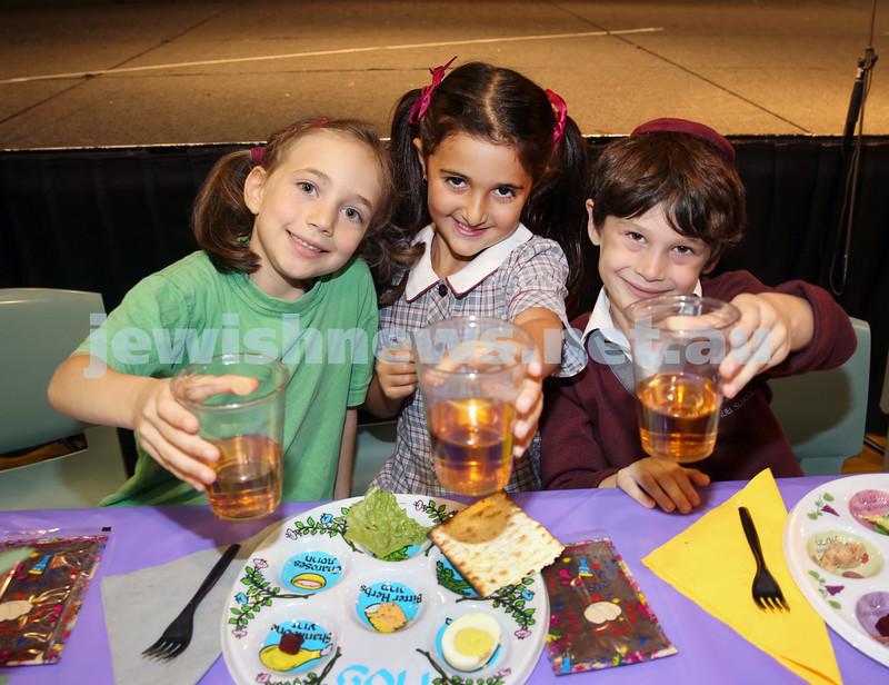 Emanuel infants demo Seder. Noa Rosenzveig, Jemma Adler, Sasha Novy.