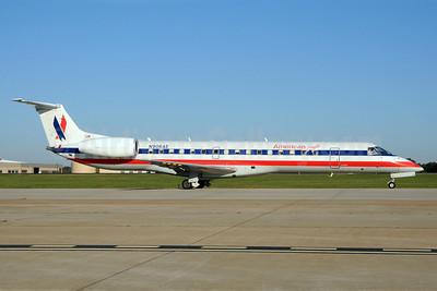 American Eagle Airlines (2nd) Embraer ERJ 145LR (EMB-145LR) N906AE (msn 145894) CLT (Bruce Drum). Image: 101957.