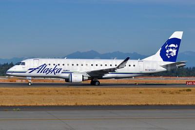 Alaska SkyWest (SkyWest Airlines) Embraer ERJ 170-200LR (ERJ 175) N170SY (msn 17000483) SEA (Tony Storck). Image: 928988.