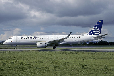 AeroRepublica Colombia Embraer ERJ 190-100 IGW HP-1565CMP (msn 19000126) Copa Airlines colors) BOG (Christian Volpati). Image: 941493.