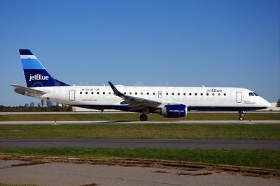 JetBlue Airways Embraer ERJ 190-100 IGW N192JB (msn 19000014) CLT (Stripes) (Bruce Drum). Image: 100108.