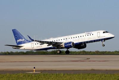 JetBlue Airways Embraer ERJ 190-100 IGW N184JB (msn 19000008) (Dots) CLT (Bruce Drum). Image: 102008.