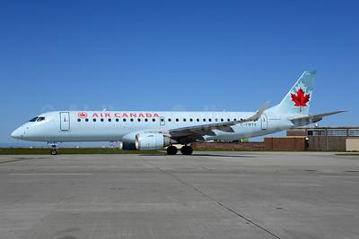 Air Canada Embraer ERJ 190-100 IGW C-FLWE (msn 19000092) YVR (Ton Jochems). Image: 912965.