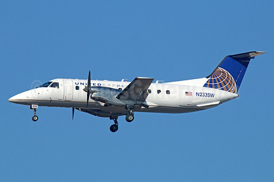 United Express-SkyWest Airlines Embraer EMB-120ER Brasilia N233SW (msn 120307) LAX (Michael B. Ing). Image: 922598.