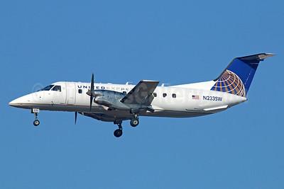 United Express-SkyWest Airlines Embraer EMB-120ER Brasilia N233SW (msn 120307) LAX (Michael B. Ing). Image: 922598.