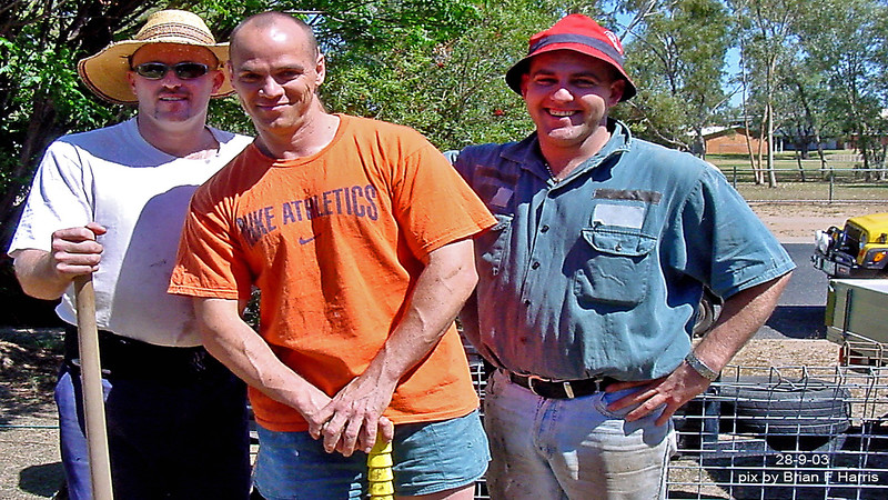 The chain gang at Craig's place in Emerald. L-R: Craig: Davo: Tony. Back to work guys!