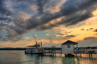 AE03b Canandaigua Lake, NY. Copyright © 2008 Alex Emes