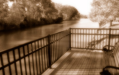 Erie Canal (Leica) - Pittsford, NY. Copyright © 2007 Alex Emes
