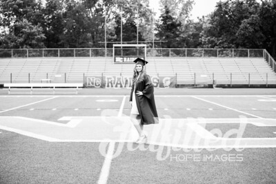 Emily Reed Cap and Gown Session (2)