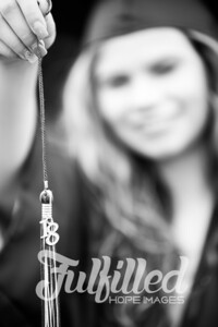 Emily Reed Cap and Gown Session (30)