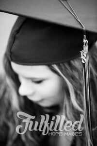 Emily Reed Cap and Gown Session (15)