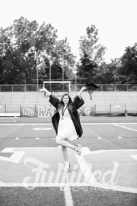 Emily Reed Cap and Gown Session (21)