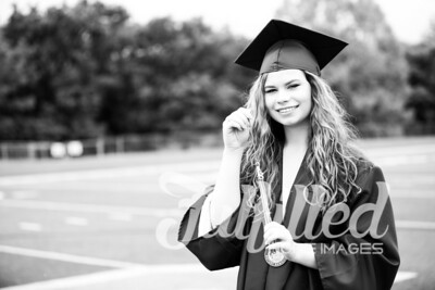 Emily Reed Cap and Gown Session (29)