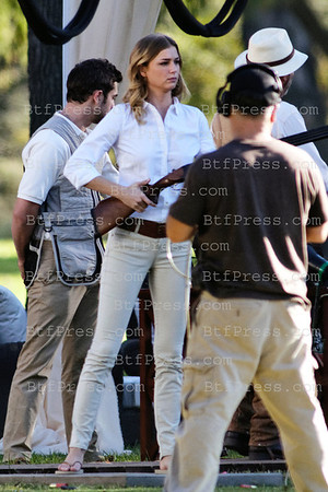 http://c0c468-d0nngvva2xgwdphcu49.hop.clickbank.net/?tid=2P8NBB3Y Exclusive___ Emily VanCamp and cast on the set of Revenge. Emily with a riffle on set, in Los Angeles,California.
