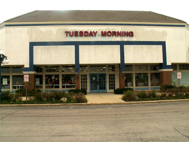 Tuesday Morning discount and closeout store at International Plaza, 318 E. Golf Road, Arlington Heights, Illinois.   (09/25/2005)