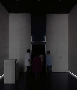 Entering the inner chamber of La geometría de la conciencia (The Geometry of Consciousness) (Courtesy Alfredo Jaar Studio)