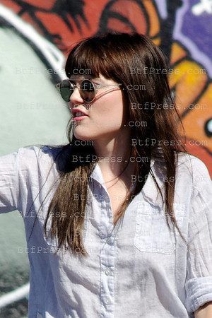 """Emma Greenwell plays badminton at the base camp during the set of the TV series """" Shameless """" in Los Angeles,California."""