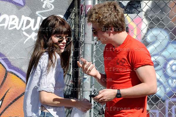 "Emma Greenwell and boyfriend Jeremy Allen White at the base camp during the set of the TV series "" Shameless "" in Los Angeles,California."