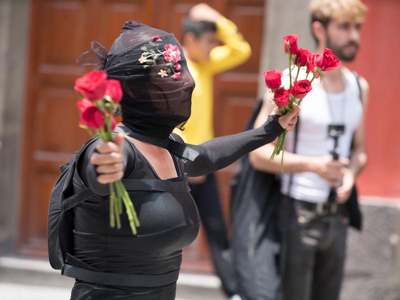 Alba Cadena Roldan, Imágenes fragmentadas de un relato en la calle. Encuentro 2019, CDMX, Mexico. Photo/Foto: Manuel Molina Martagon.