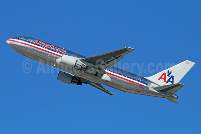 Type Retired: N319AA operated the last AA 767-200 flight on May 8, 2014