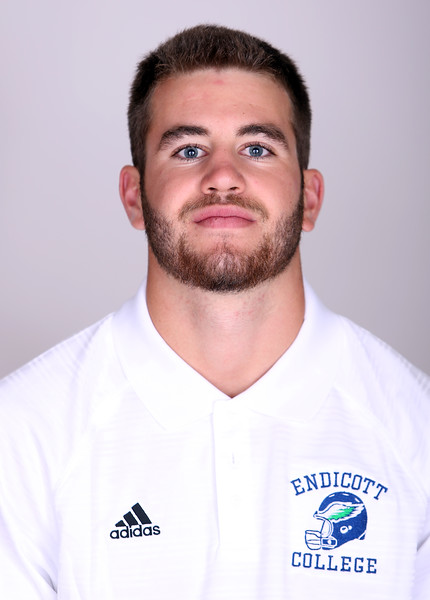 Endicott College Football Sophomore Ryer Caruso