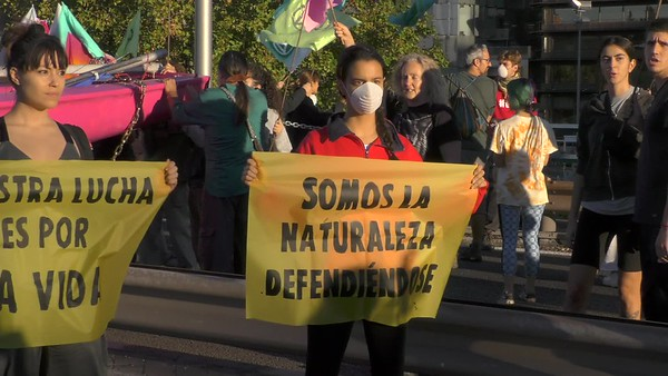 7-O rebelión climática. Vídeo bloqueo puente (brutos)