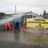 """Activistas de Greenpeace """"desmantelan"""" la central nuclear de Garoña"""