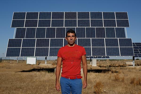Jorge Puebla, productor de energia fotovoltaica bombero de la Comunidad de Madrid