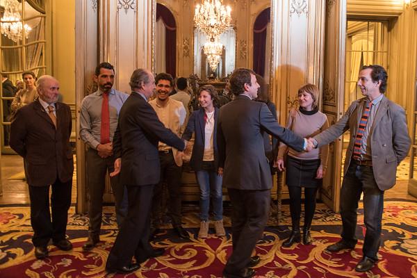 """Los """"Héroes por el Clima"""" de Greenpeace llegan a París"""